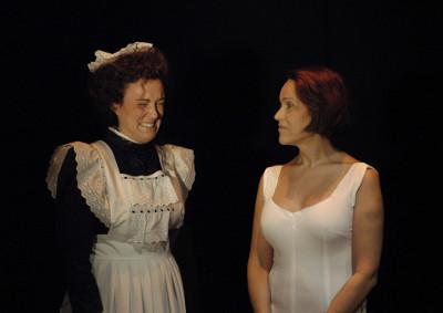 Marta Ochando y Antonia San Juan en Matrimonio de Boston